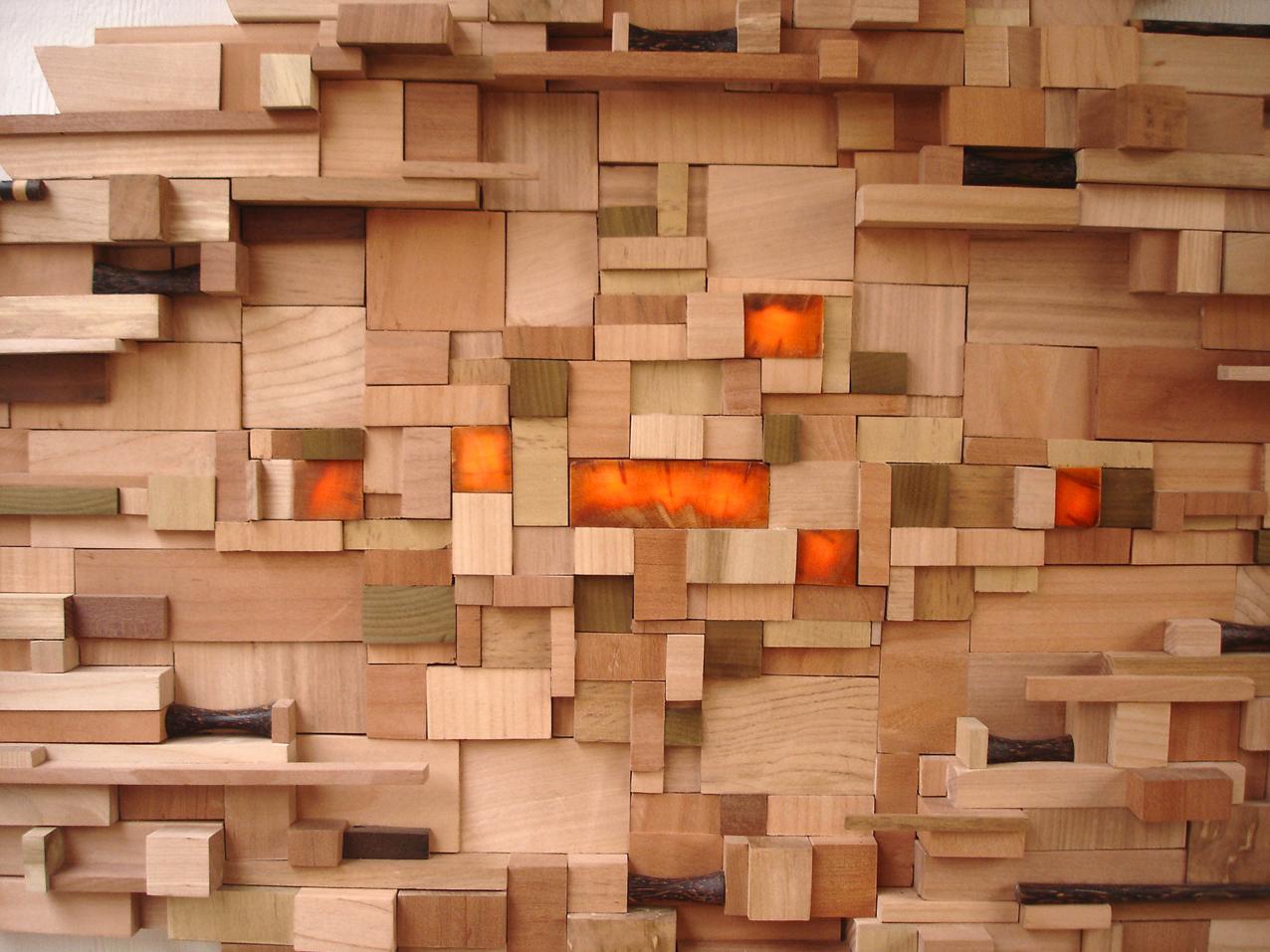 PUYEHUE, DESINTEGARCIÓN CARTOGRÁFICA. 2011. Luces LED, madera de picoyo (araucaria), roble, raulí, coihue, laurel, coco y castaño. 300 x 60 x 5 cm